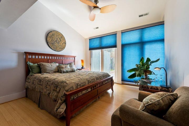 Glass House Winery B and B-Tropical - Free Union - Bed & Breakfast