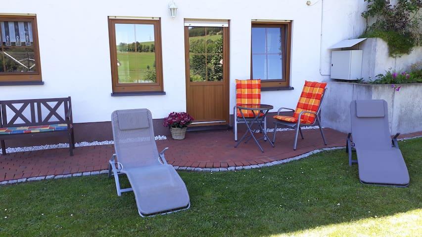 Komfort Ferienwohnung, (Herscheid), Ferienwohnung, 55qm, 1 Schlafzimmer, 1 Wohn-/Schlafzimmer, max. 3 Personen