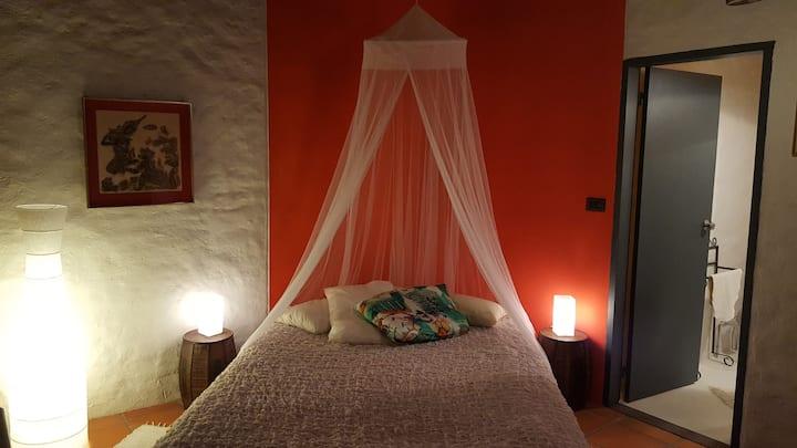Gondwana - Rojo, The Romantic One