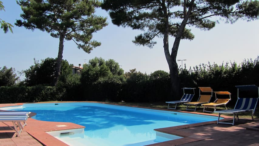Terraced houses in a residence with swimming pool - Riccione - Huis