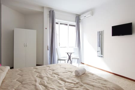 Very NICE ROOM in Trastevere - Rome - Apartment