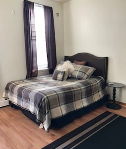 Spacious Private Bedroom in a 2BR Top Floor Apt - Hoboken