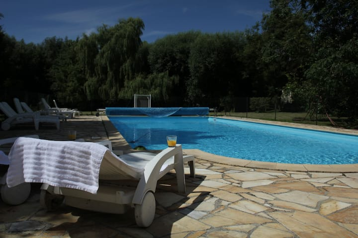 Vintage-Chalet mit Swimmingpool in Quend-Plage-les-Pins