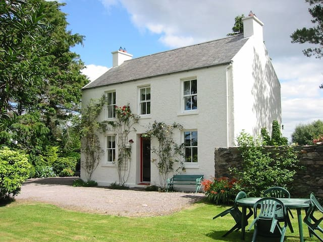 Charming traditional Irish cottage - Bells Cottage