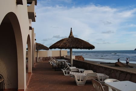 Private Beachfront Suite -Mazatlan - Mazatlán - Apartmen