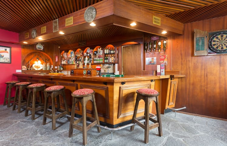 The World's 1st Self Catering Pub ! -  Aglish (nr.Borrisokane) Co - Muu