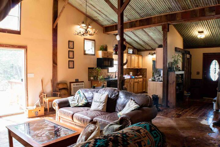 Family Retreat-Entire Converted Barn-Farm Tours