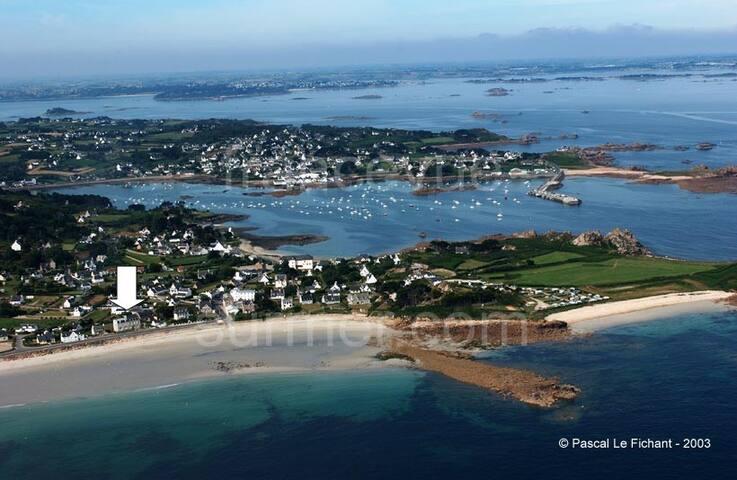 Studio vue sur mer exceptionnelle à Plougasnou