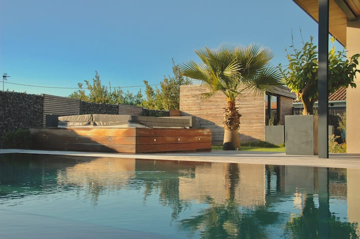 Charming Cocoon - Mirror Pool and SPA