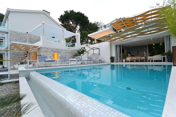 Luxury Villa Primosten Divine with private heated pool, jacuzzi and gym near the sea in Primosten