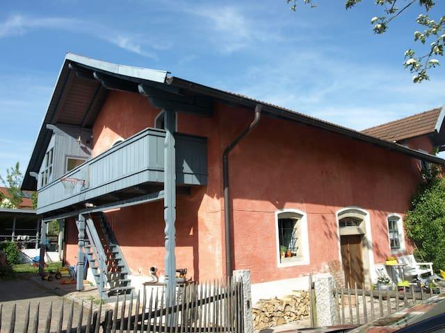 Charmante Wohnung in Bauernhaus - Offenberg - Byt