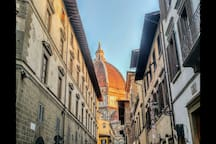 You're here, 1 minute from Duomo, via dei Servi 11