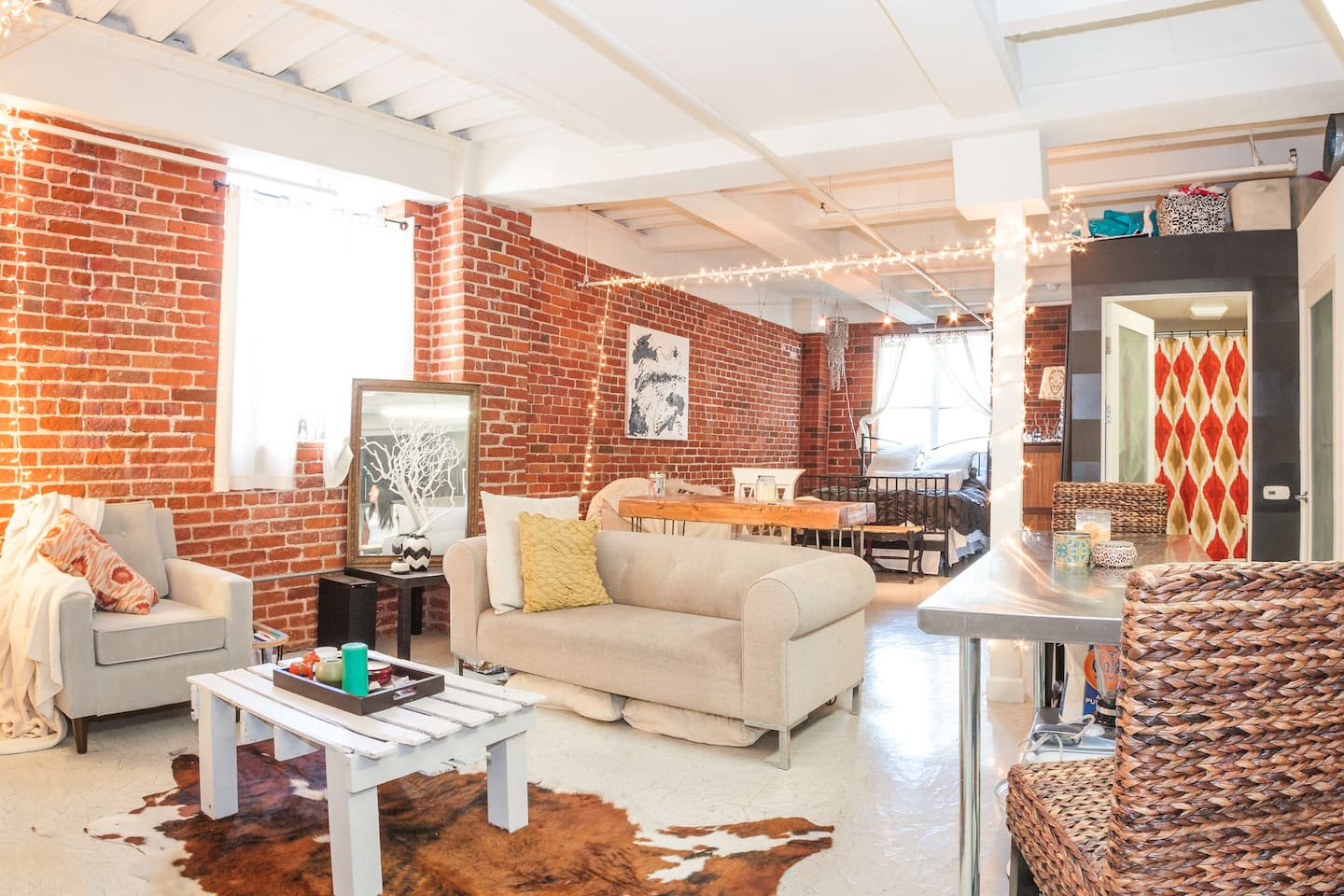 Cute Studio Loft in Downtown LA