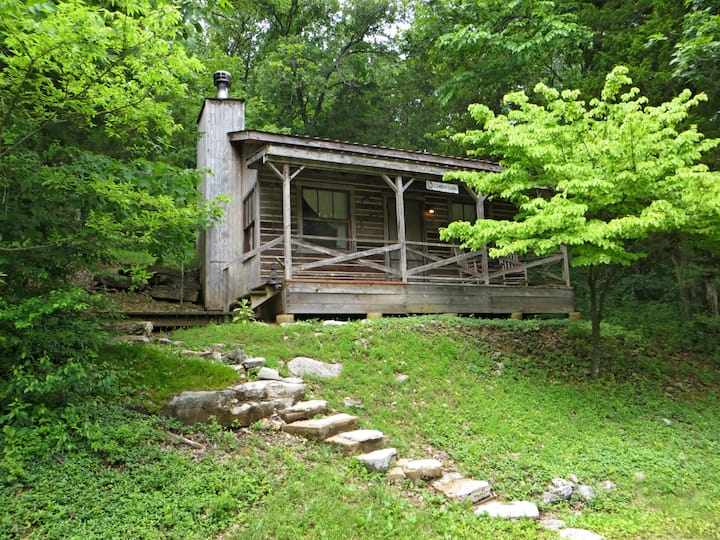Cowboy Cabin in Missouri Wine Country