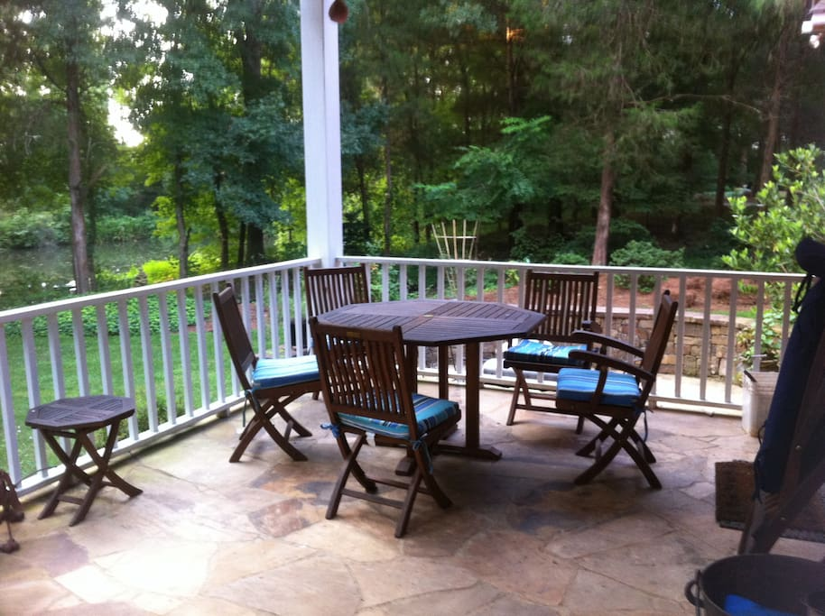 I must say this is a great spot for breakfast, lunch, evening meal or wine with friends.