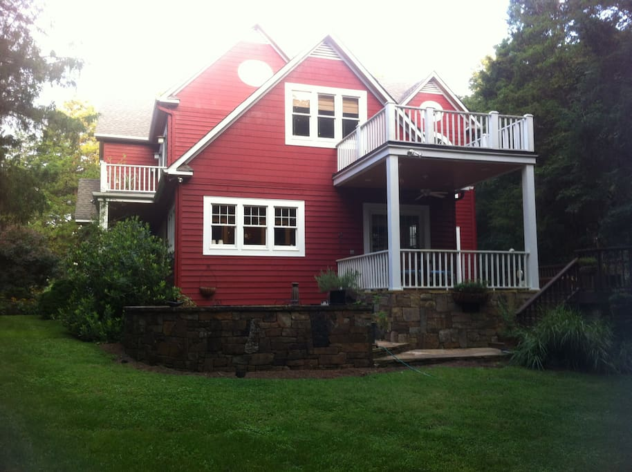 House from pondside