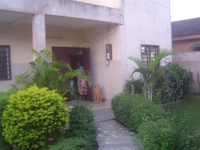 Maisons d'hôtes, chambres d'hôtes. - Abomey Calavi - Casa