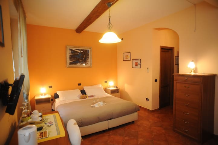 Central Room for 2 Guests Residence La Contessina