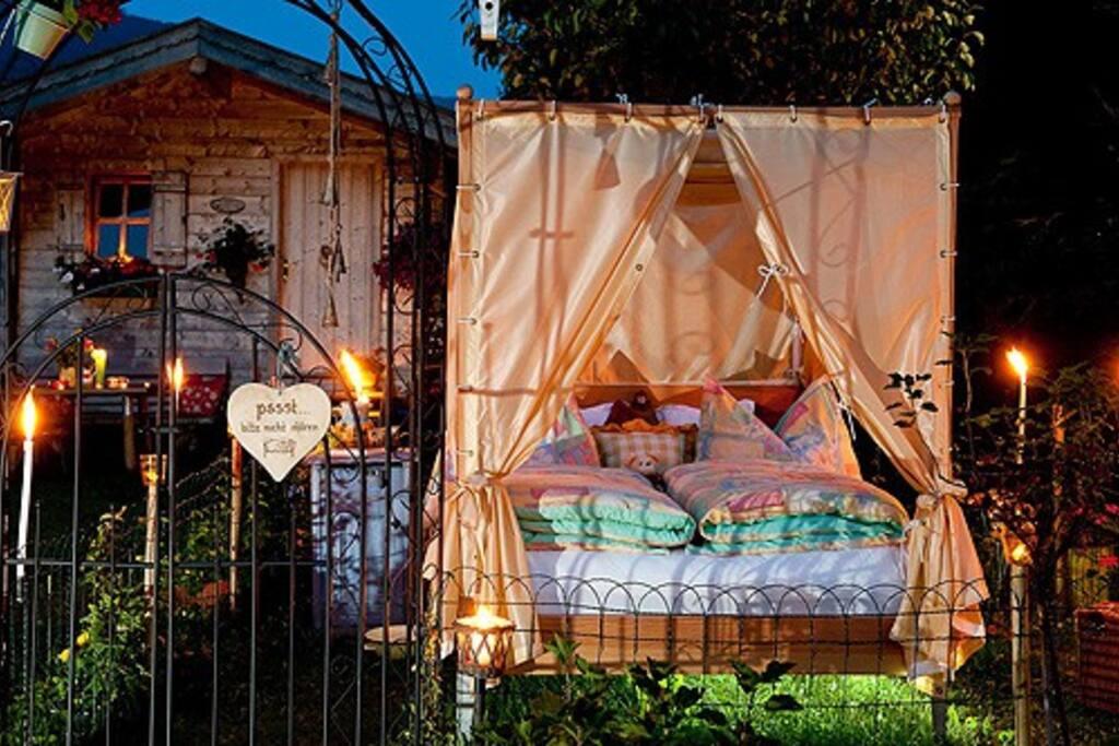 himmelbett unter sternen bed breakfasts zur miete in unterberg salzburg sterreich. Black Bedroom Furniture Sets. Home Design Ideas