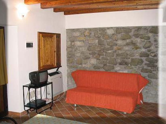 Stanza privata a Stiava in chalet - Stiava - Bed & Breakfast