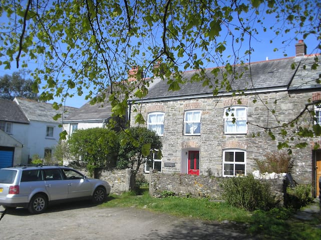 Tregoodwell Cottage, North Cornwall - Camelford - Hus