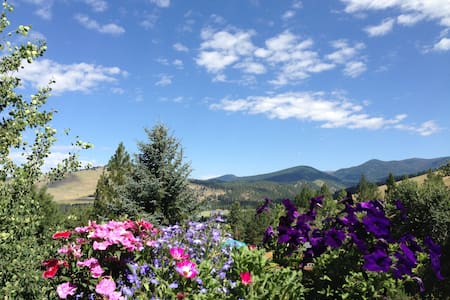 Upper Rattlesnake Home with Views! - Missoula - House