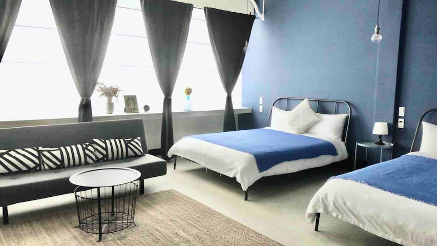 Private 2 Double-bed room with bathtub - 2min MRT