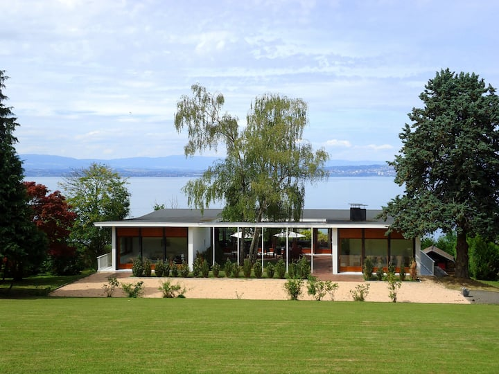Mid-Century Villa; Stunning Views on Lake Geneva