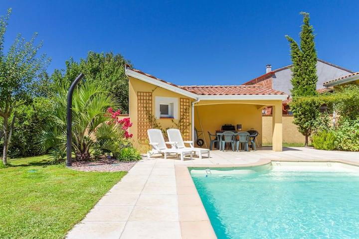 Grande maison lumineuse avec piscine près Toulouse
