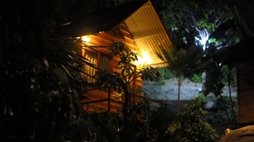Homestay on mountain and 100% Seaview