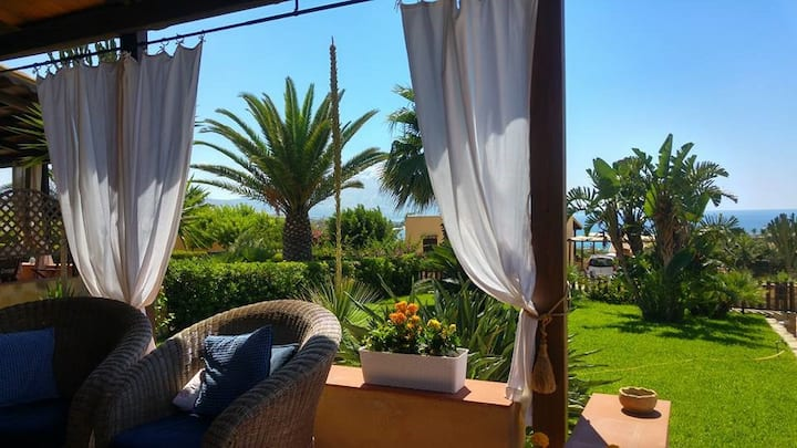 Lisca Blu Villa 6+2 pp, A/C  Parking  Wifi free
