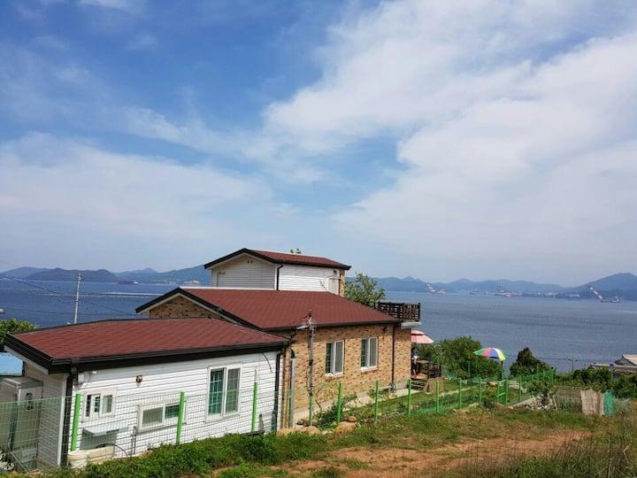 [별채][귀어한 어부의 집,거제 가조도] 전망좋은 바다와 산, 별채신축, 집앞부둣가낚시가능
