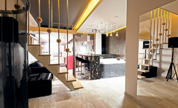 Secret Lounge - Cozy Studio with Sauna and Jacuzzi