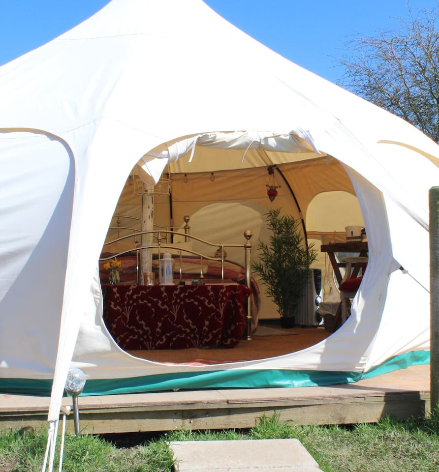 Woody's Luxury Glamping 'Bella' / Private Hot Tub