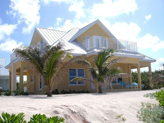 3bed Beach Front Home # 5 Yellow (10% Off Summer) - Rum Point - Hus
