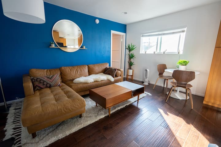 Modern Venice Beach 1-Bedroom + Parking (!)