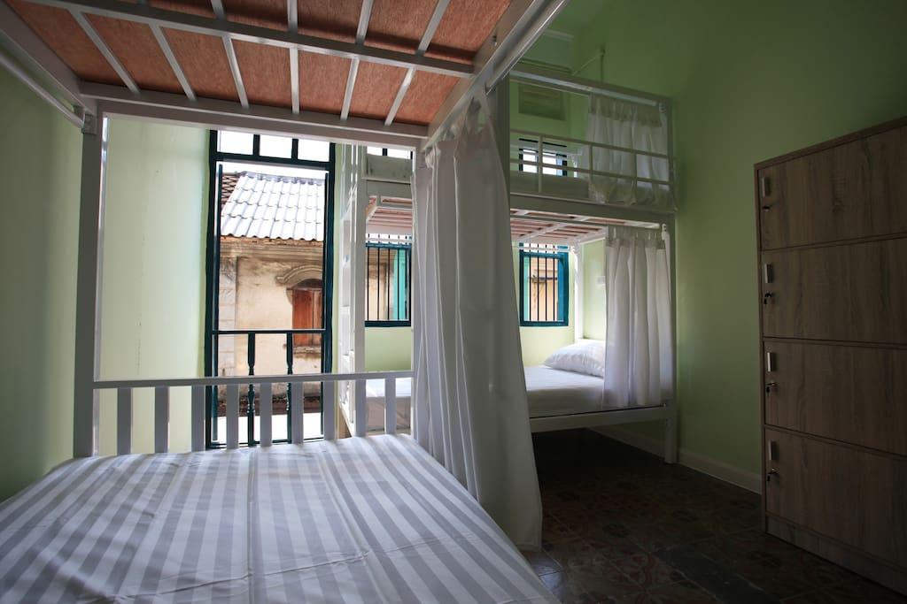 Lady dorm 4 beds