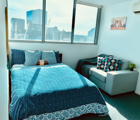CBD Centre-FreeTram-City & OceanView-Private Couch