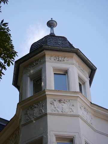 Charming apartment in a turret - ボン - 別荘