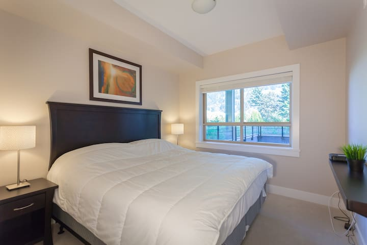 2 bedroom Lakeview Grand Suite - Harrison Hot Springs - Daire