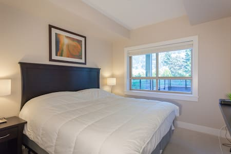 2 bedroom Lakeview Grand Suite - Harrison Hot Springs - Lakás