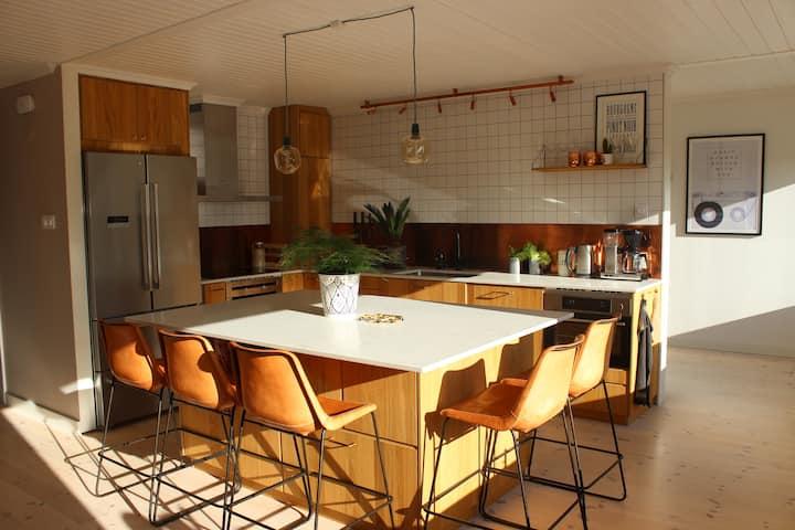 Modern & charming home
