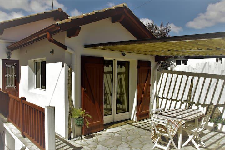 petite maison de charme a Anglet - Anglet - Hus