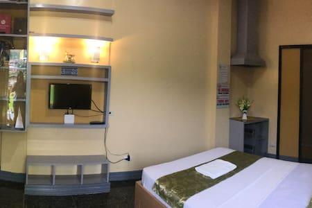 STANDARD DELUXE ROOM (Citi Side Inn)