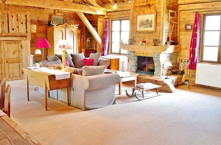 luxury chalet in the french alps chalets for rent in. Black Bedroom Furniture Sets. Home Design Ideas
