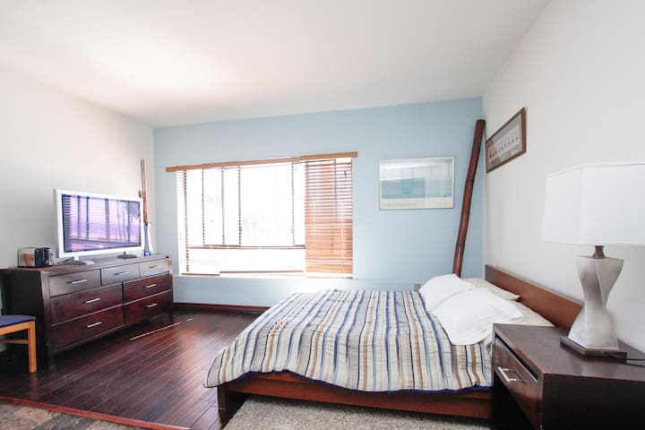 Ocean View Studio Apt on Ocean Ave! - Santa Monica - Flat