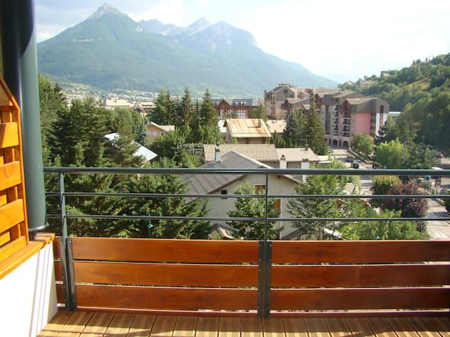 BRIANCON CENTRE -SKY APRTMNT-CASINO - Briançon - Lägenhet