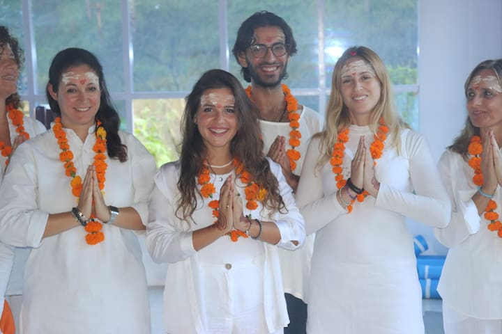 15 Days  Meditation Training in Himalayas, India