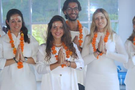 15 Days  Meditation Training in Himalayas, India