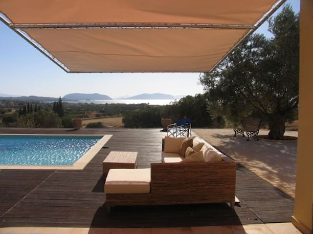 Villa by the Sea -breathtaking view of islands - Porto Cheli - House